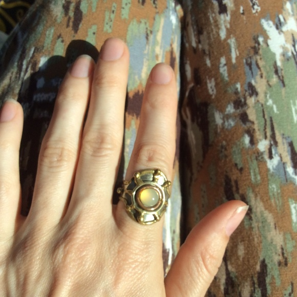 Vintage Jewelry - Sunshine Real Stone Gelded Ring